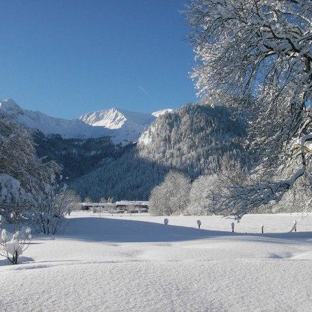 Der Blick auf Aiplspitz, Benzing und Jägerkamp von der Terrasse aus im Winter, © im-web.de/ Touristinformation Fischbachau