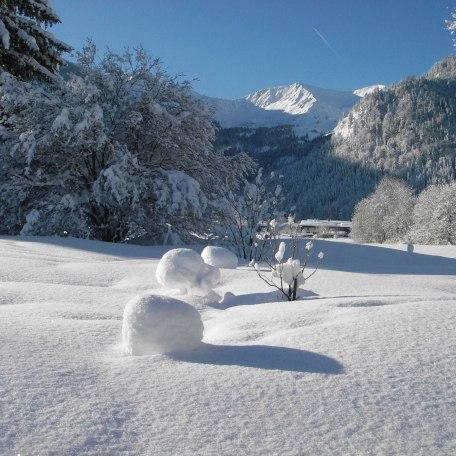 Unser Garten im Winter, © im-web.de/ Touristinformation Fischbachau