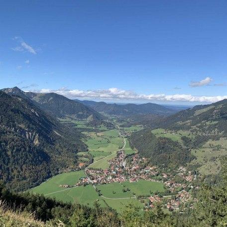 https://d1pgrp37iul3tg.cloudfront.net/objekt_pics/obj_full_107832_012.jpg, © im-web.de/ Alpenregion Tegernsee Schliersee Kommunalunternehmen