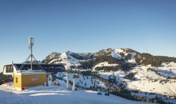 ats-wintersport-hires-110
