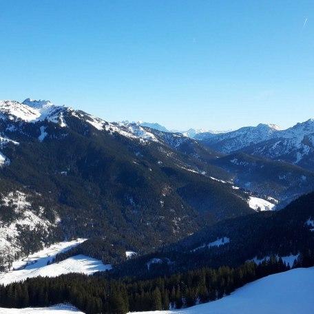 Ausblick vom Skigebiet Spitzingsee in Richtung Taubenstein im Winter, © im-web.de/ Touristinformation Fischbachau