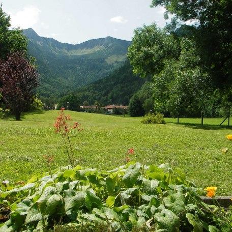 Von der Terrasse haben Sie einen herrlichen Blick auf die Berge, © im-web.de/ Touristinformation Fischbachau