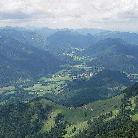 Blick vom Wendelstein auf das Leitzachtal und Fischbachau, © im-web.de/ Touristinformation Fischbachau