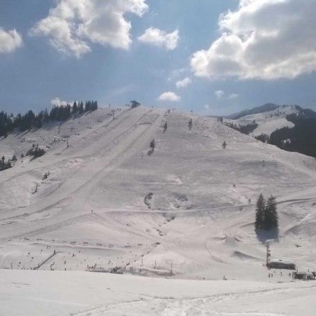 Die Skigebiete Sudelfeld und Spitzingsee sind mit dem Auto oder mit dem Skibus (Sudelfeld) in wenigen Minuten erreichbar., © im-web.de/ Touristinformation Fischbachau